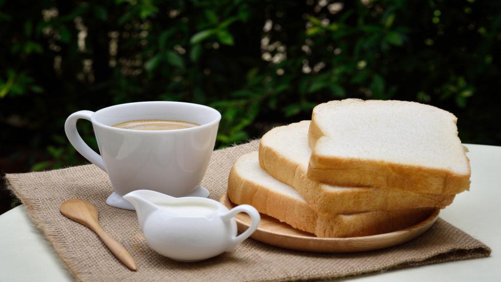 El pan no debe faltar en el desayuno 1920